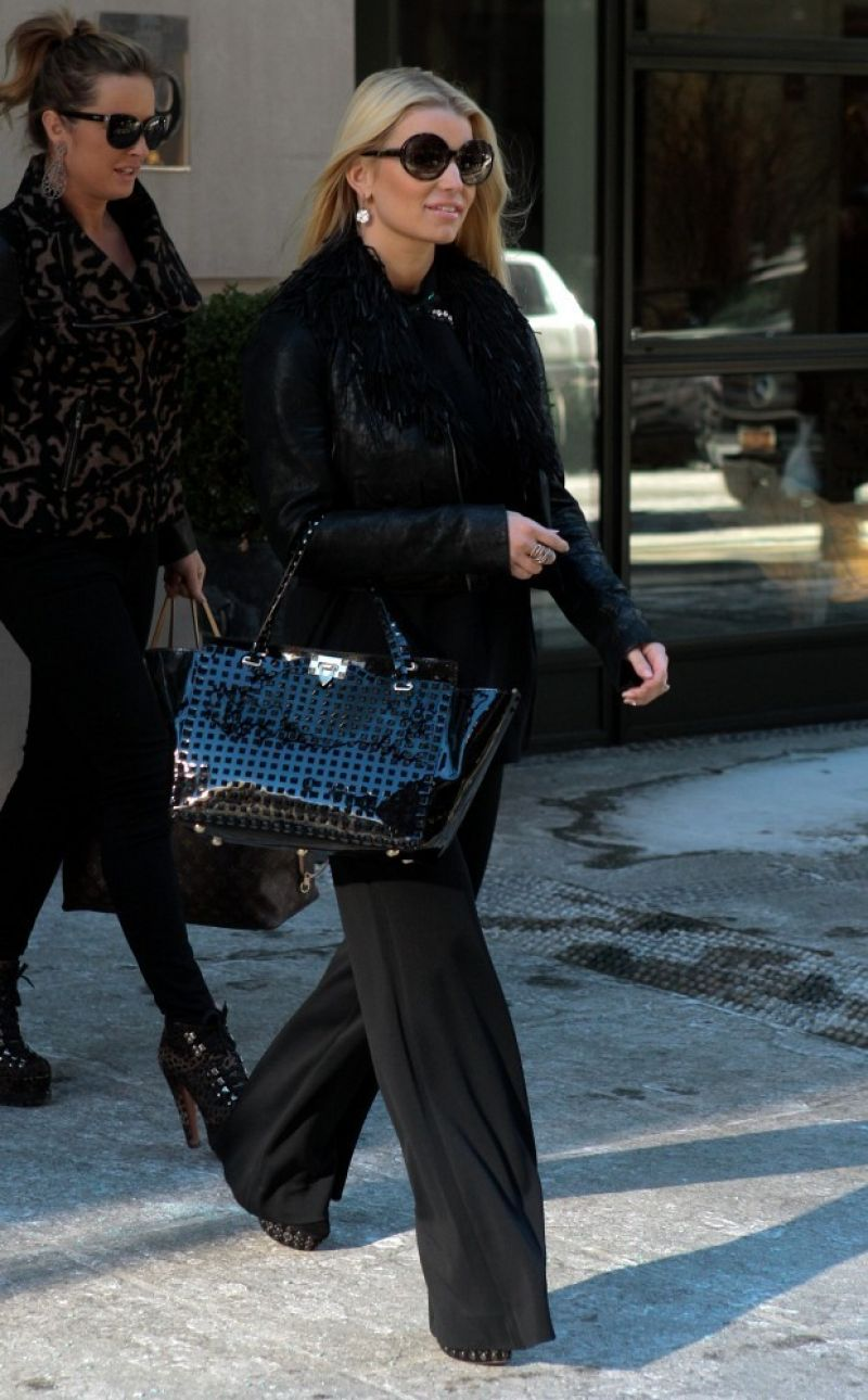 Jessica Simpson - Leaving Her Hotel in New York - January 2014