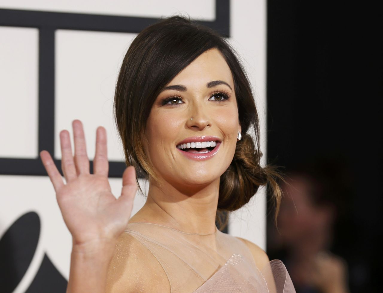 Kacey Musgraves Wears Wearing Armani Privé at 56th Annual Grammy Awards - Jan. 2014