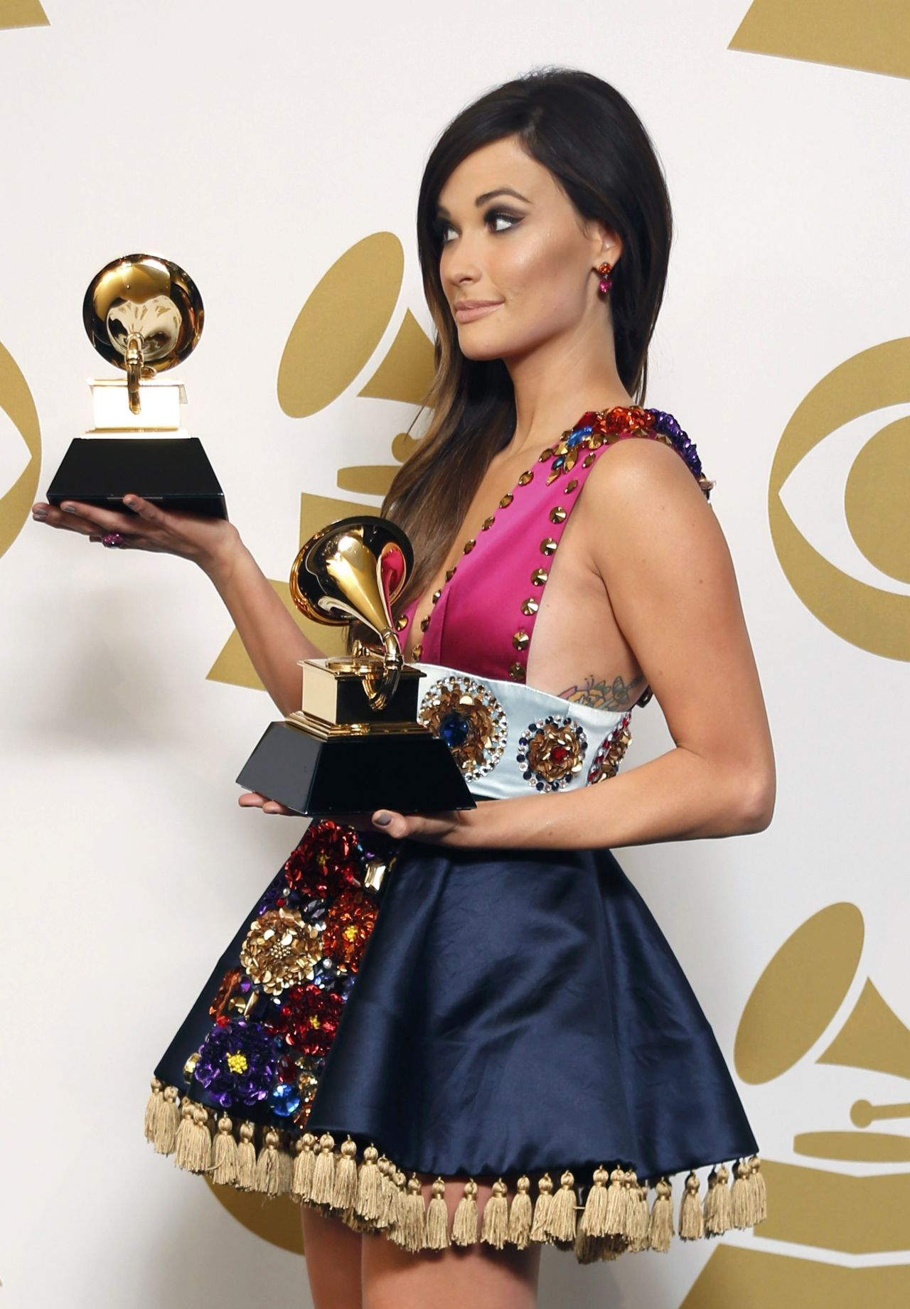 Kacey Musgraves Wears Wearing Armani Priv 233 At 56th Annual