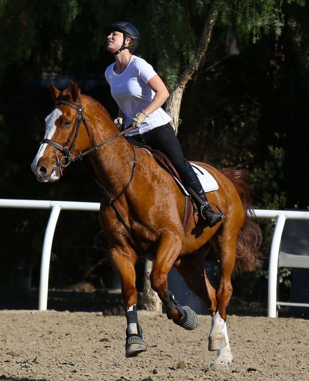 Kaley Cuoco - Horseback Riding in Moorpark - January 2014