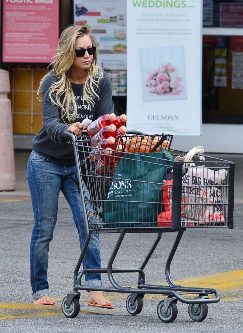 Kaley Cuoco in Jeans - Shopping at Gelson's in Los Angeles, January ...