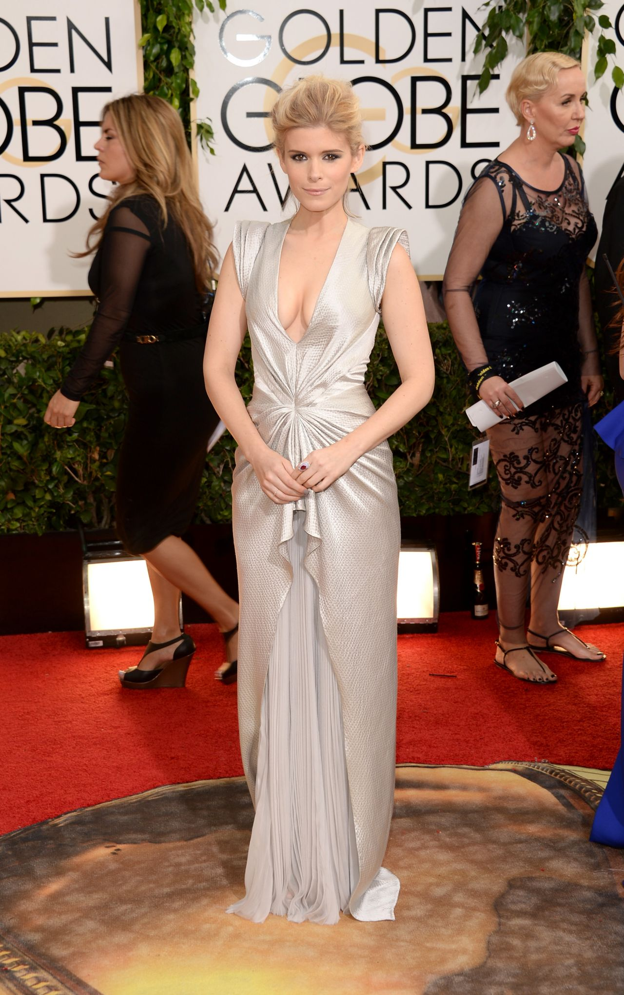Kate Mara at 71st Annual Golden Globe Awards in Beverly Hills (2014)