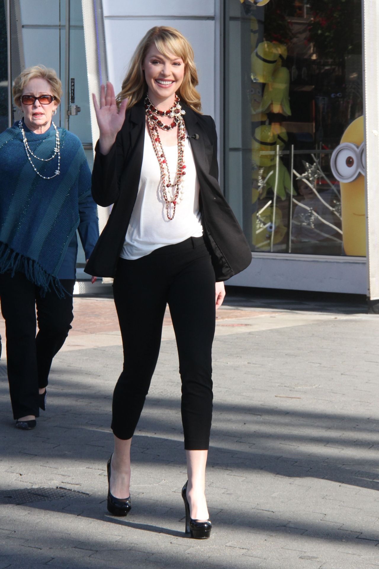 Katherine Heigl - on the Set of Extra - Universal Studios - Jan 2014