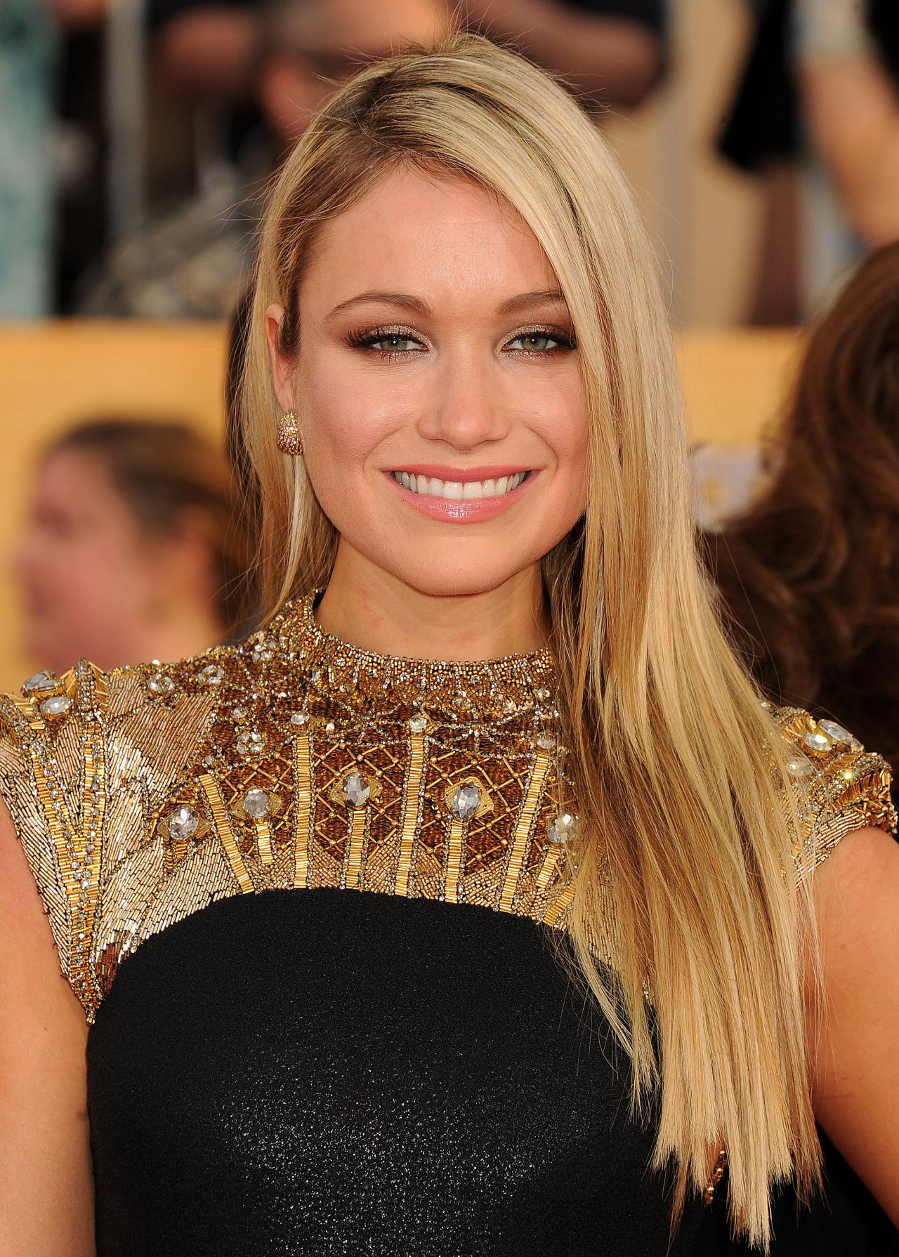 Katrina Bowden Wears Badgley Mischka Dress at 2014 SAG Awards