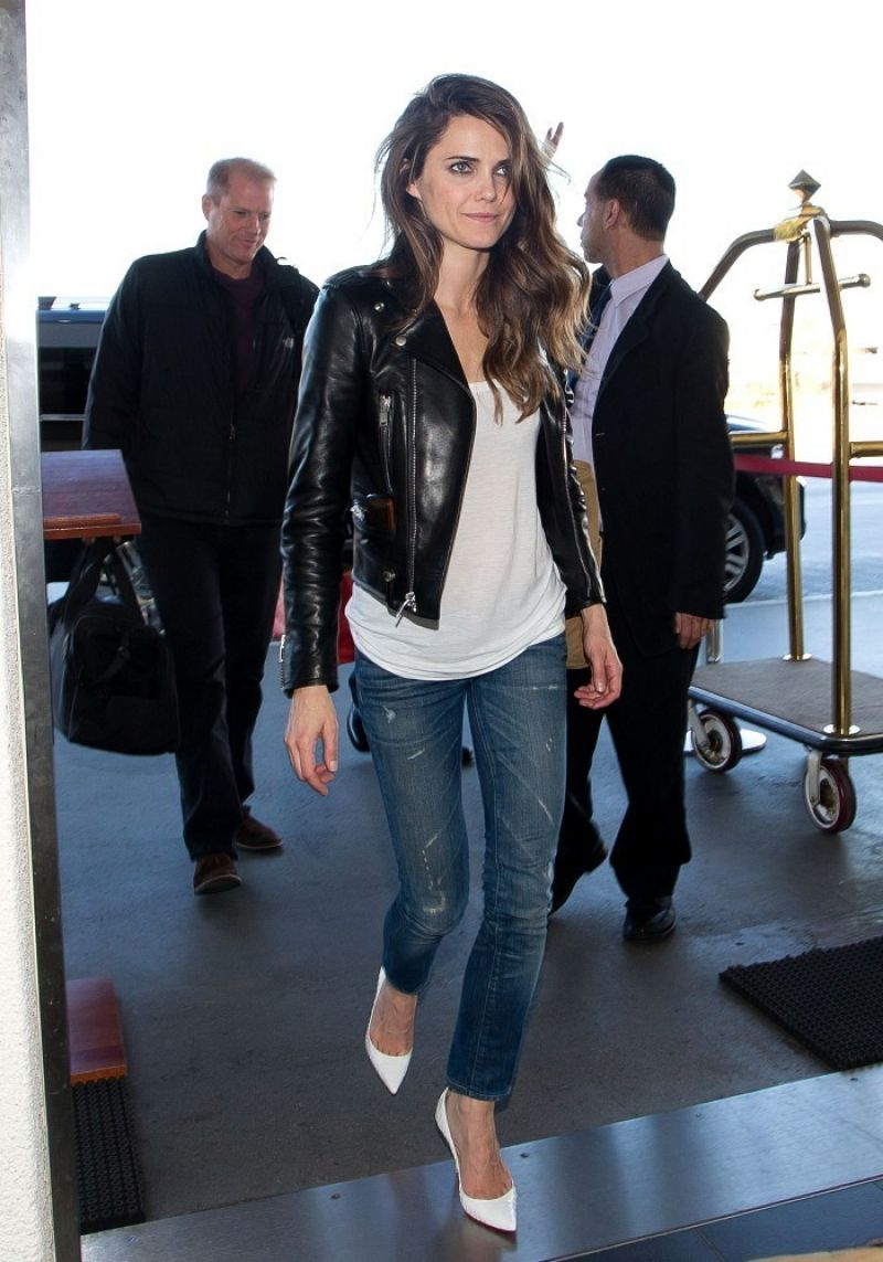 Keri Russell Street Style - in Jeans at LAX Airport, January 2014