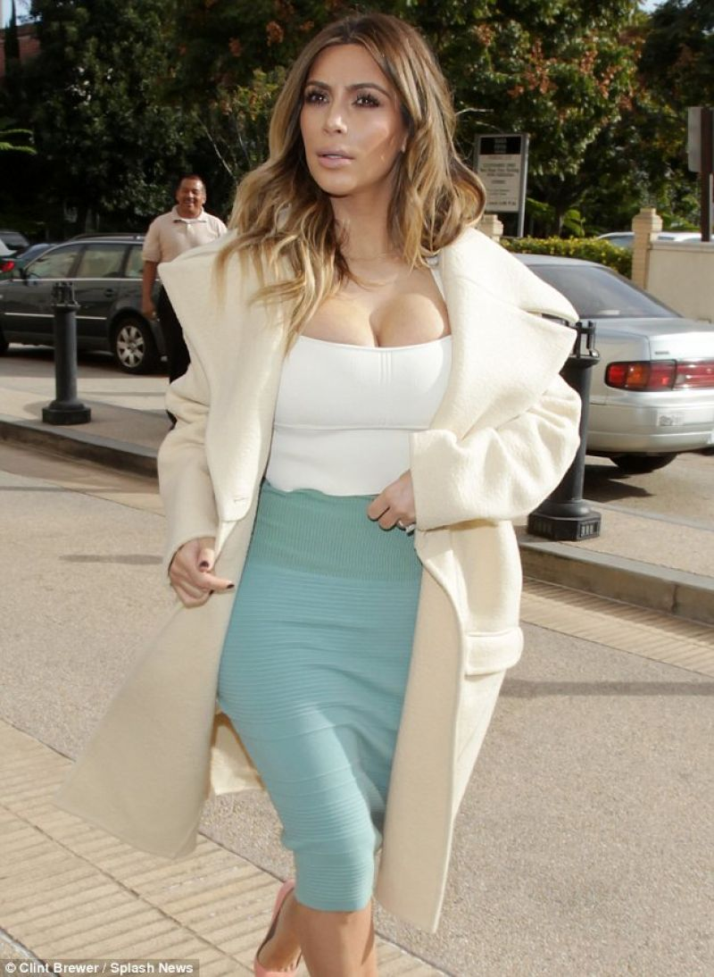 Kim Kardashian- Out For Shopping In Beverly Hills - January 2014-1838