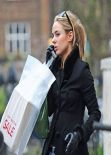 Kimberley Garner in Tight Jeans - Out for Shopping in King