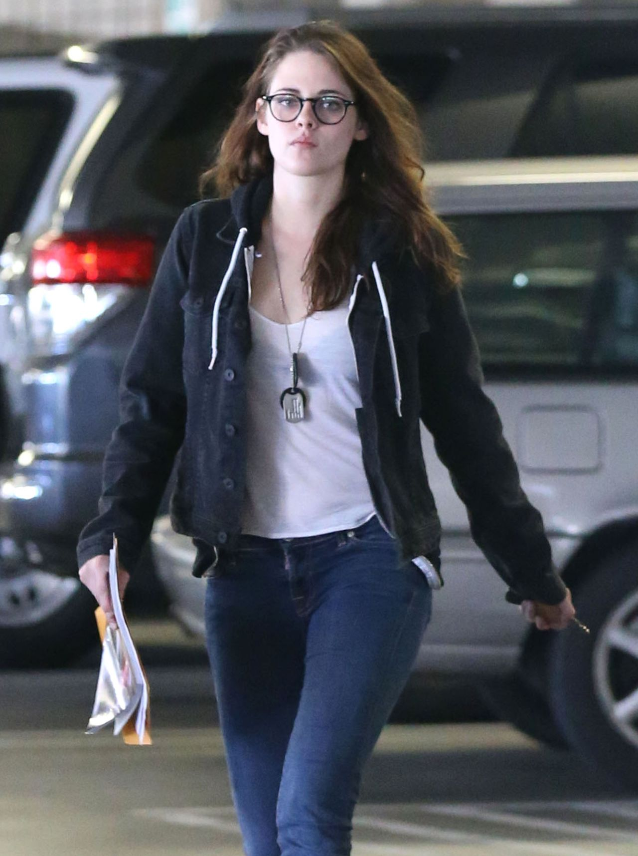 Kristen Stewart in Jeans - Out in Los Angeles - January 2014