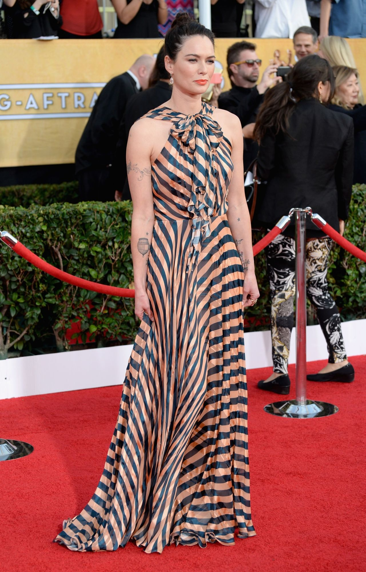 Lena Headey Wears Jenny Packham Dress at 2014 SAG Awards