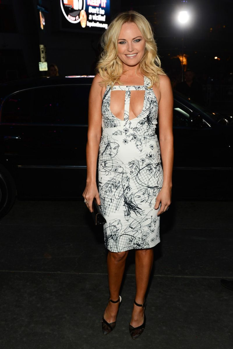 Malin Akerman in Cushnie Et Ochs – 2014 People