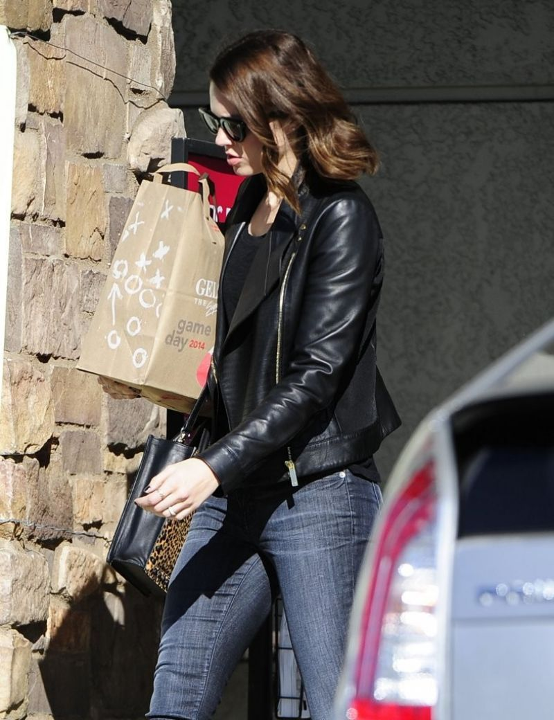 Mandy Moore Street Style - Out in Los Feliz - January 2014