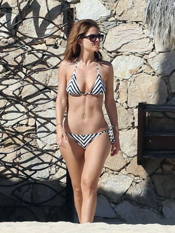 Maria Menounos Wearing a bikini in Mexico - January 2014