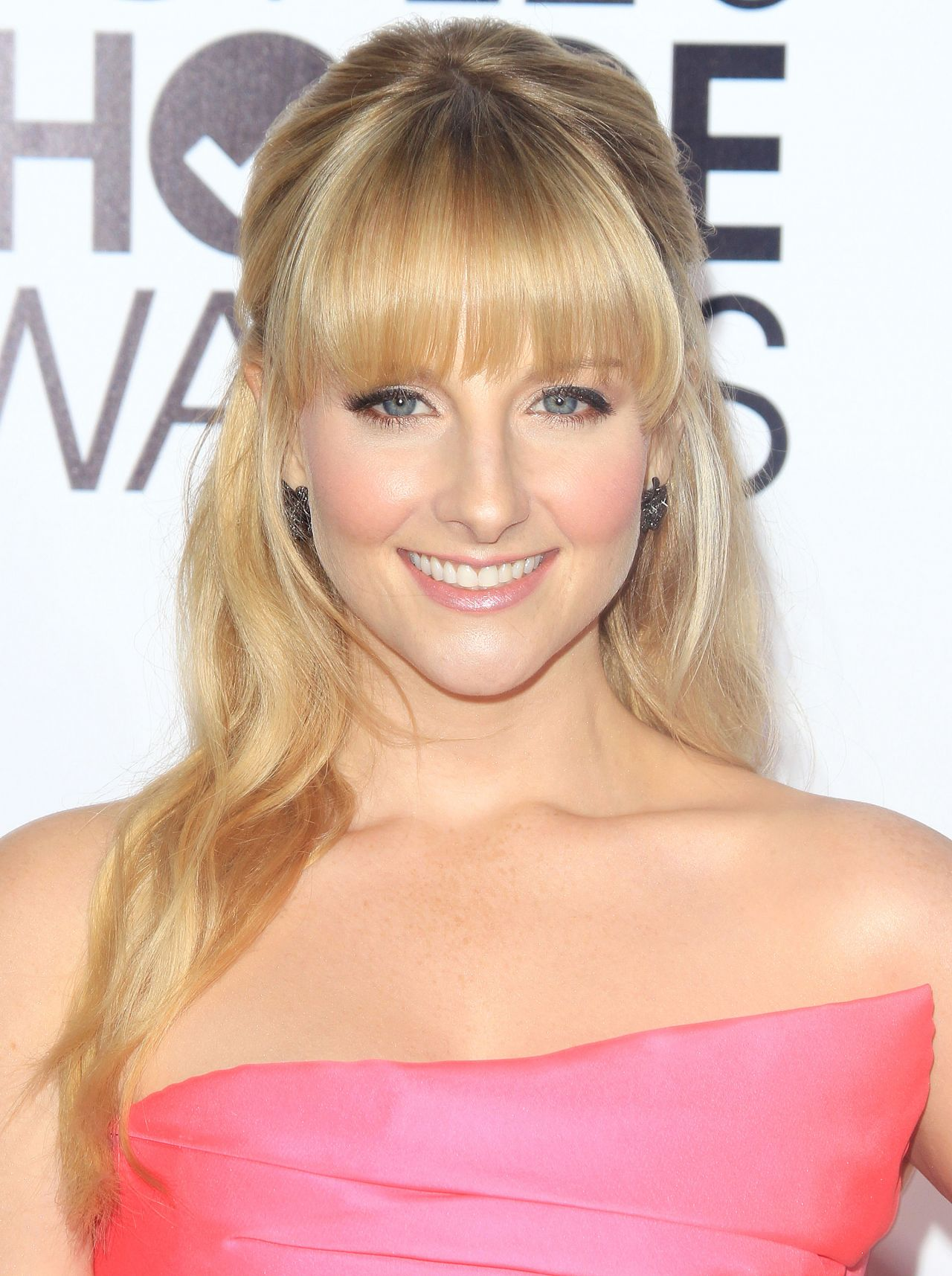 Melissa Rauch Red Carpet Photos – 2014 People's Choice Awards