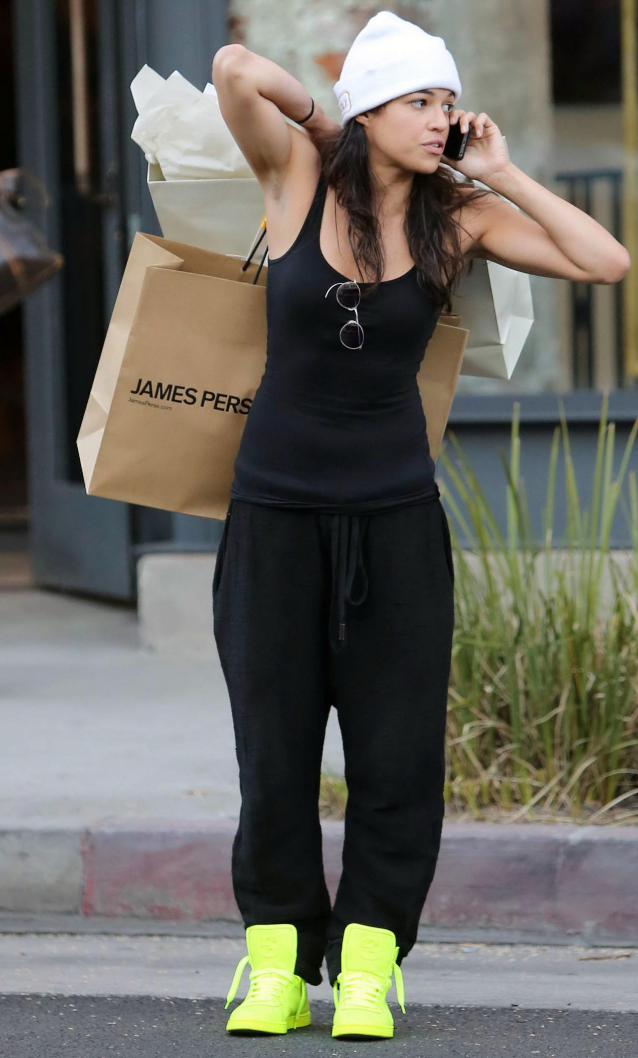 Michelle Rodriguez Street Style Shopping In Beverly Hills January 2014