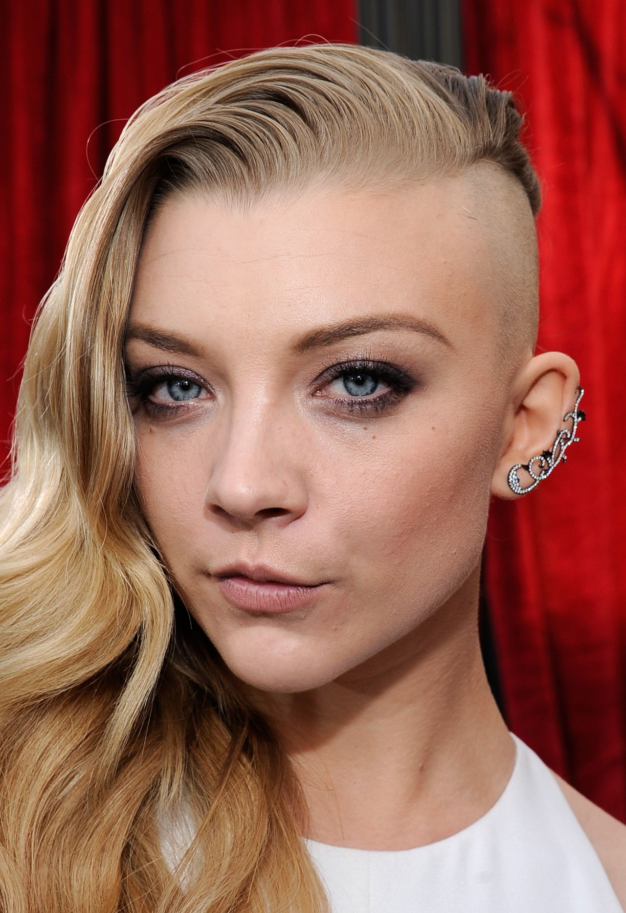 https://celebmafia.com/wp-content/uploads/2014/01/natalie-dormer-wears-marios-schwab-at-2014-sag-awards_8.jpg
