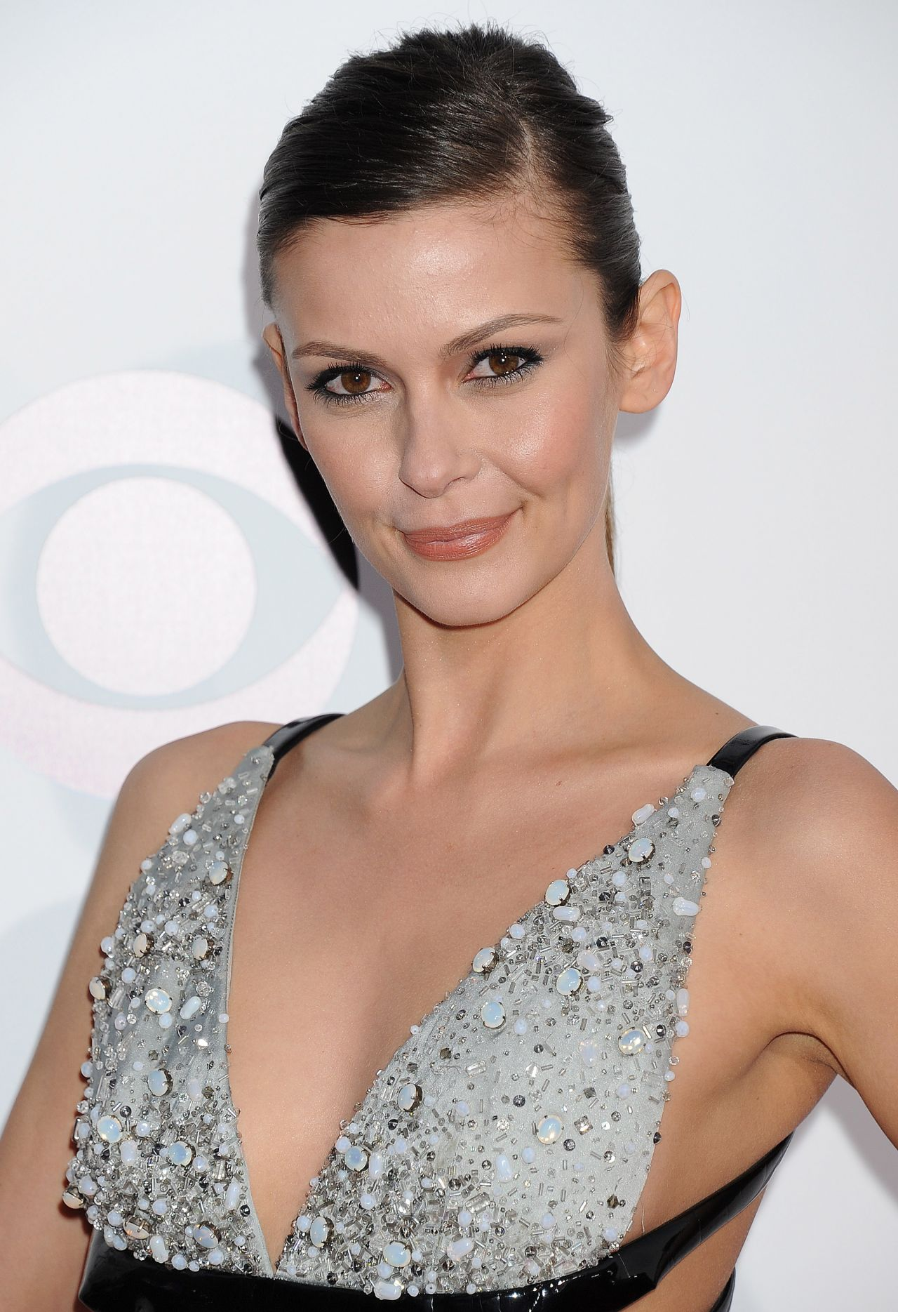 Olga Fonda In Giorgio Armani 2014 People S Choice Awards