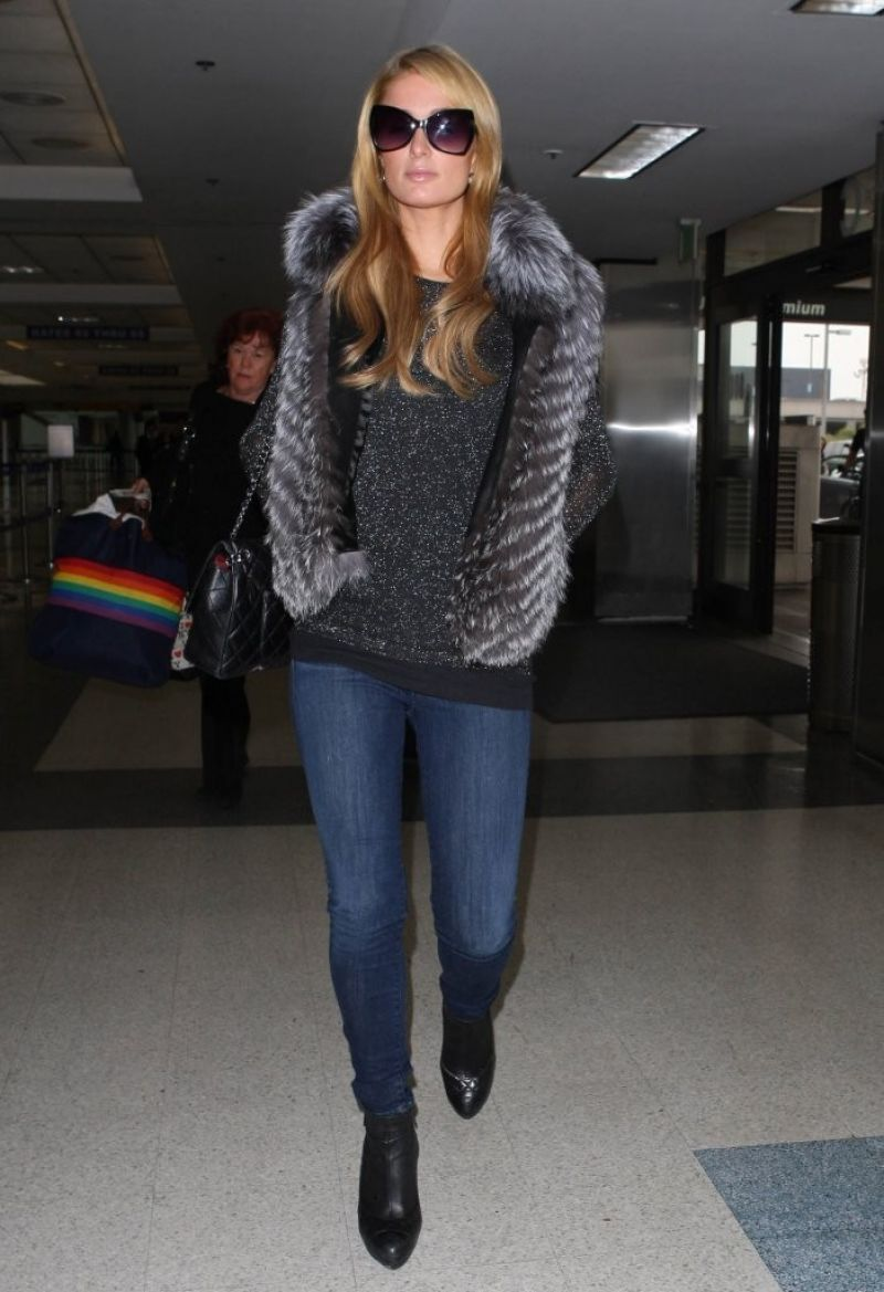 paris hilton in jeans lax airport january 2014