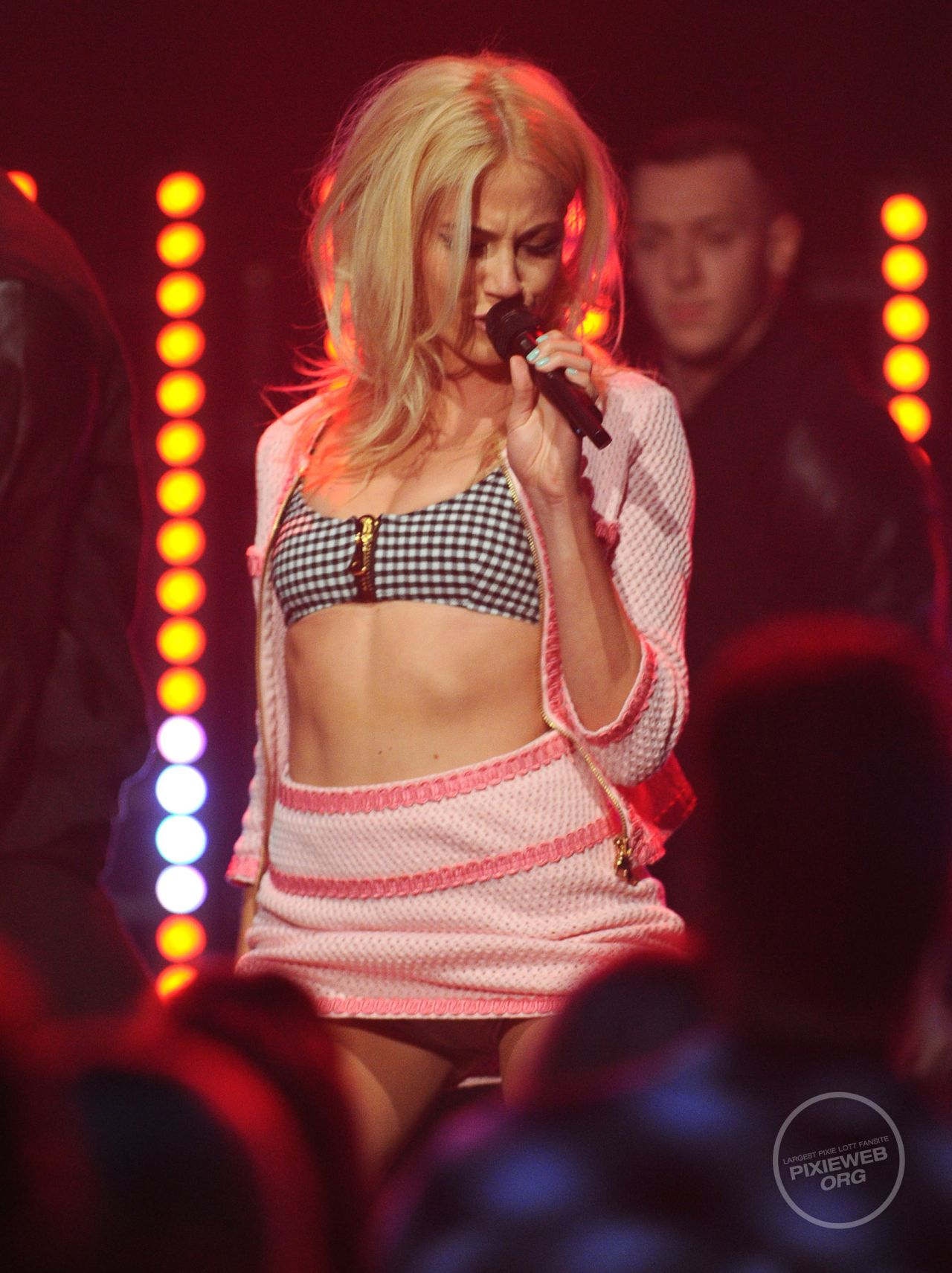 Pixie Lott Performs at The BRITs Are Coming - January 2014