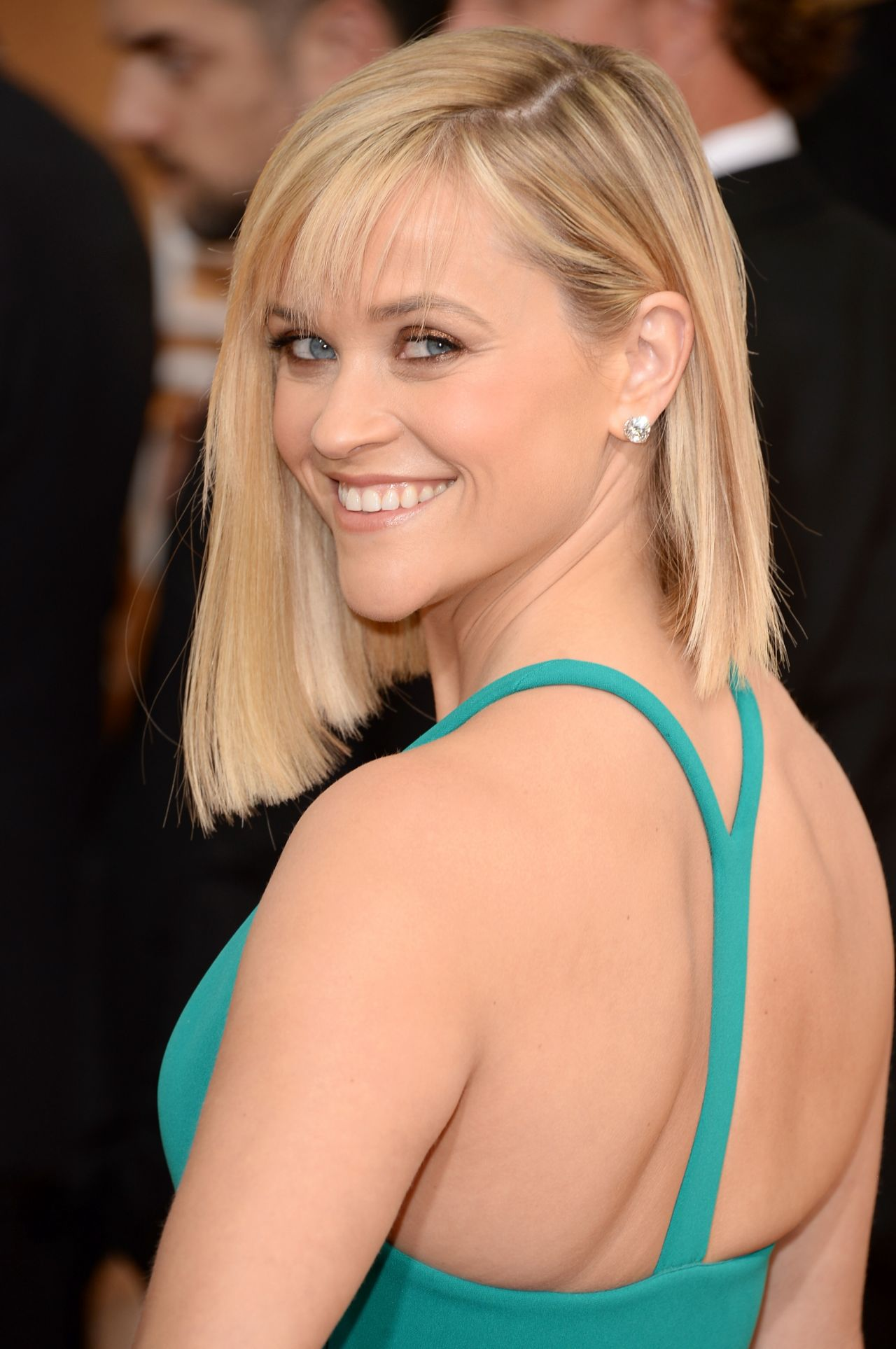 Reese Witherspoon Boob Size   height and weights