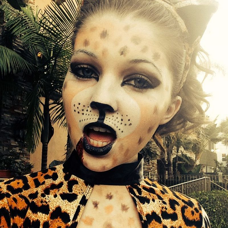 Sammi Hanratty Twitter Instagram and Personal Photos - January 2014 Collection