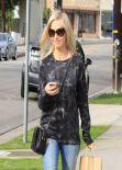 Sarah Michelle Gellar in Jeans - Los Angeles January 2014