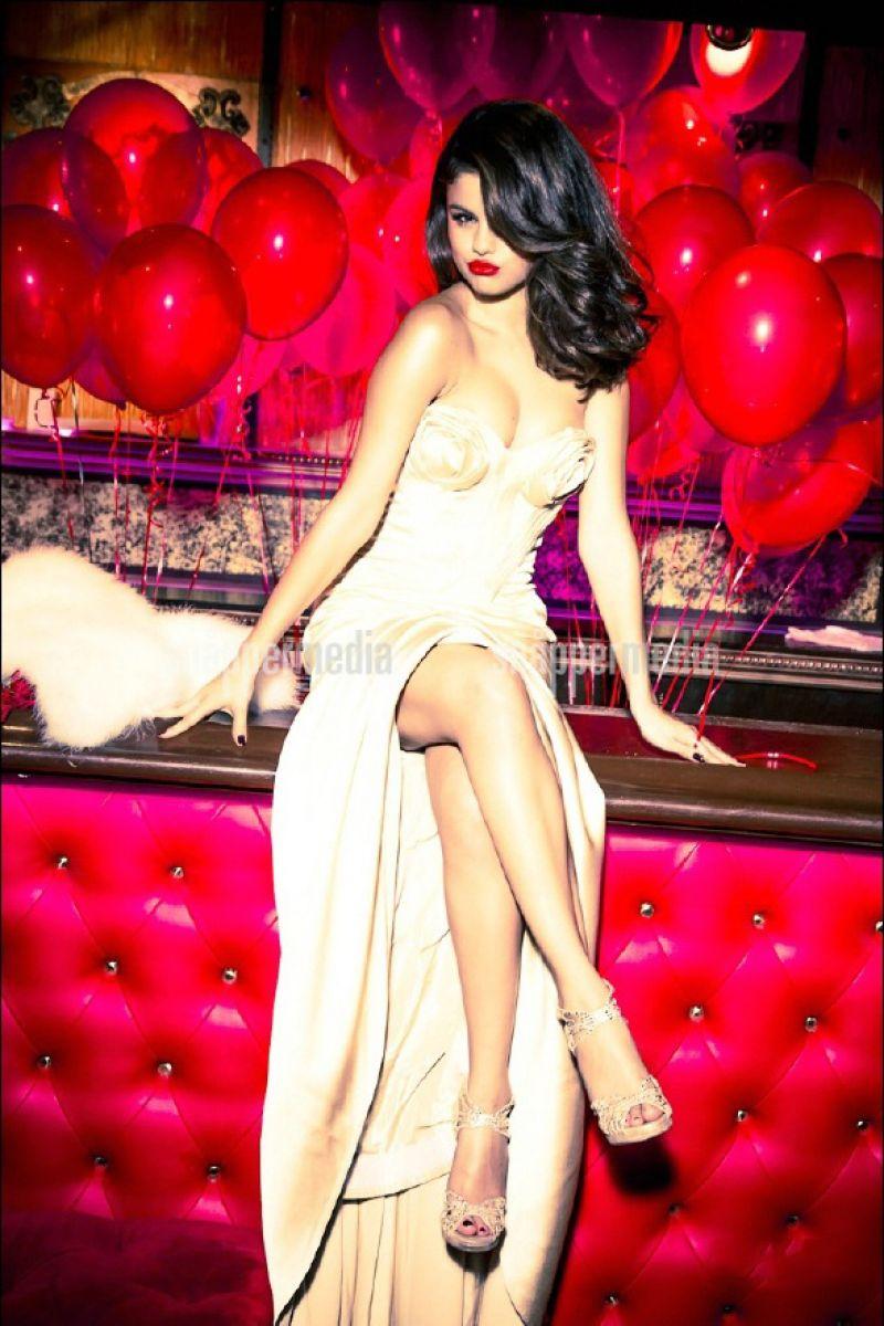 Selena Gomez Photoshoot For Glamour Magazine