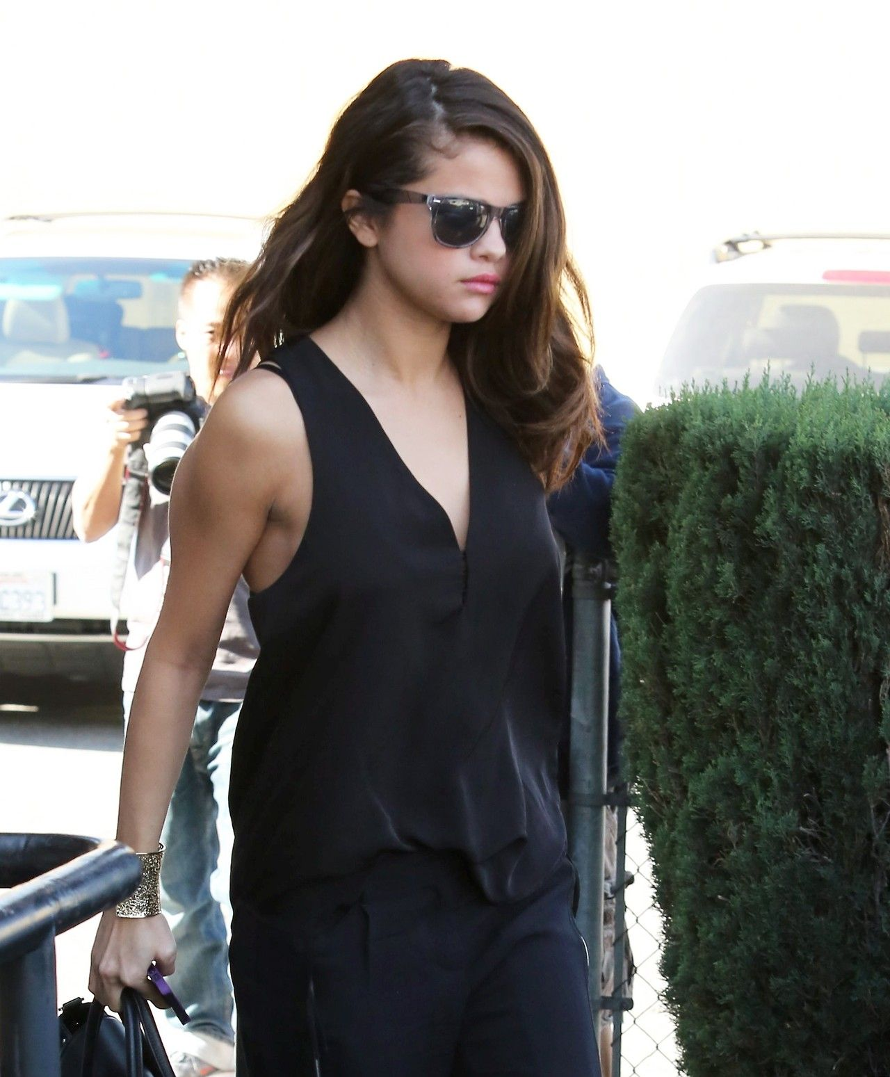 Selena Gomez Street Style - Out for lunch - Los Angeles, January 2014