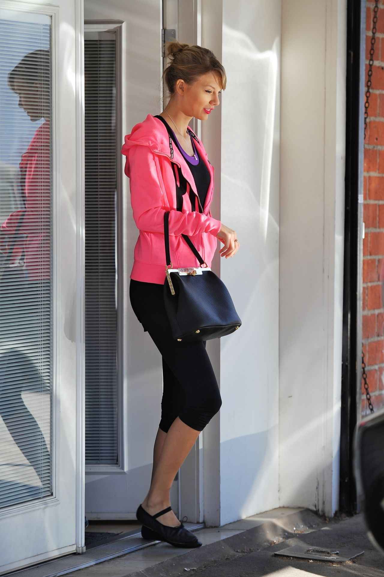 Taylor Swift - Dance Studio in Los Angeles - January 15, 2014