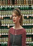 Taylor Swift - Grocery Shopping at Whole Foods - Beverly Hills January 2014