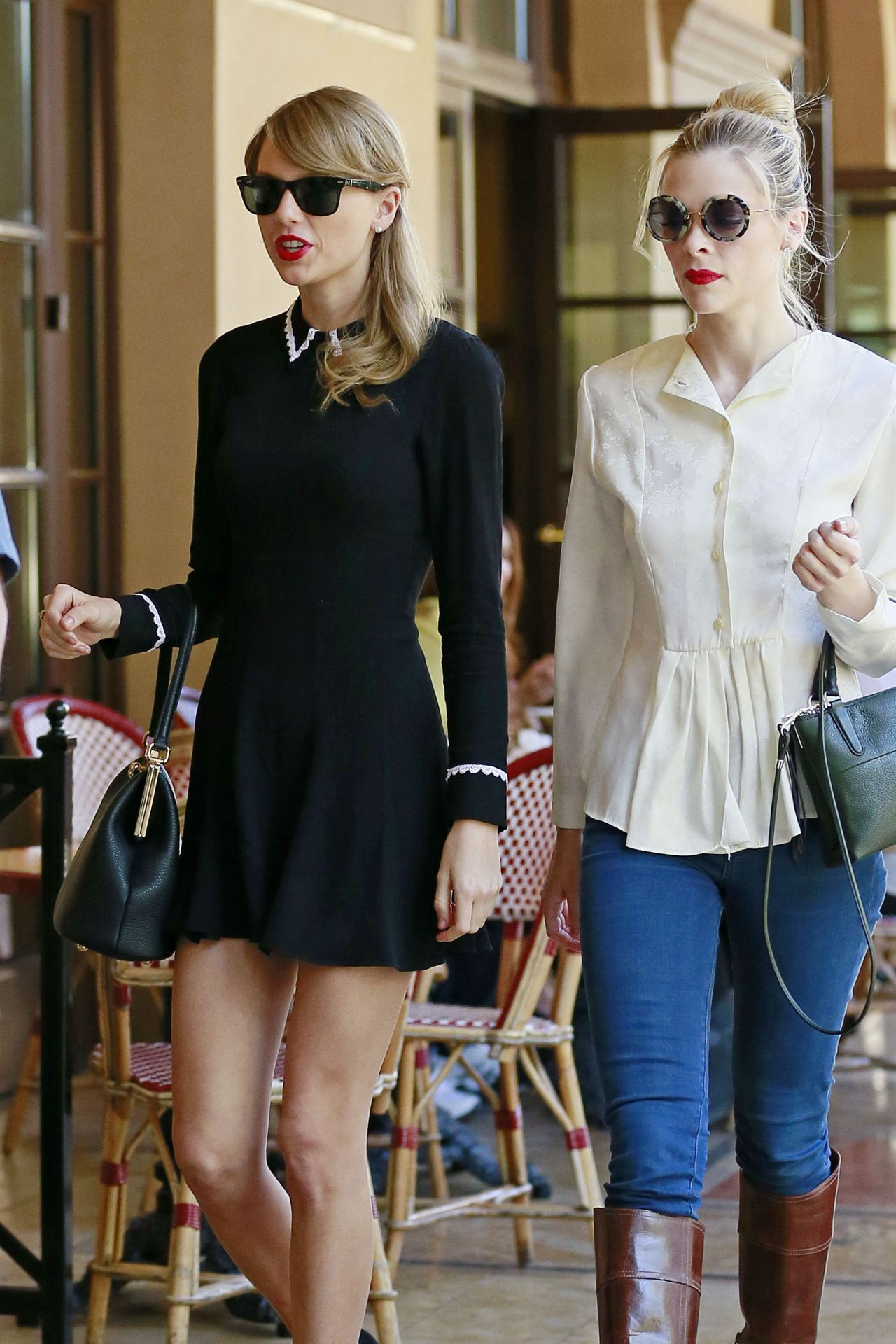 taylor swift street style is so cute out in beverly hills january 2014. Black Bedroom Furniture Sets. Home Design Ideas