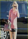 Taylor Swift Street Style - Los Angeles, January 1, 2014
