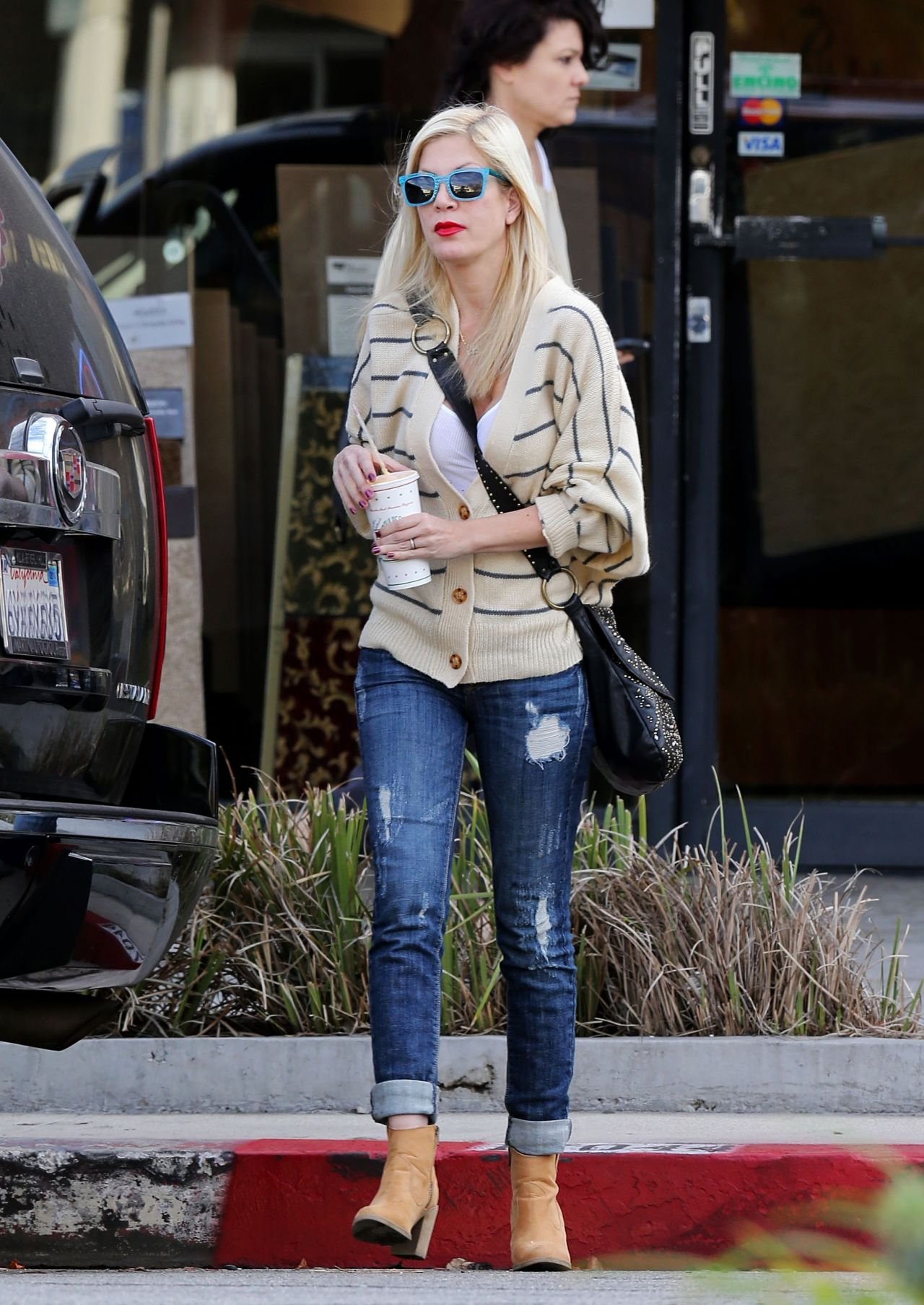 Tori Spelling Street Style In Jeans Out In Los Angeles