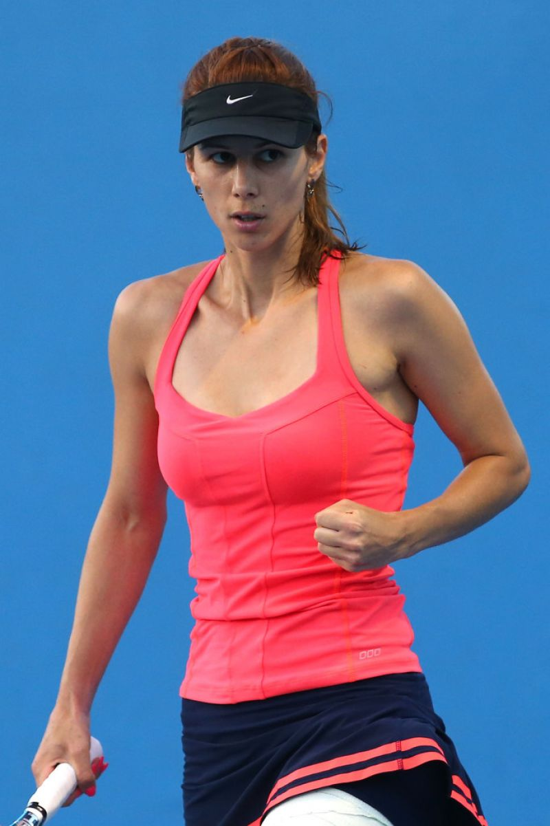 Tsvetana Pironkova - Australian Open in Melbourne, Jan 13 2014