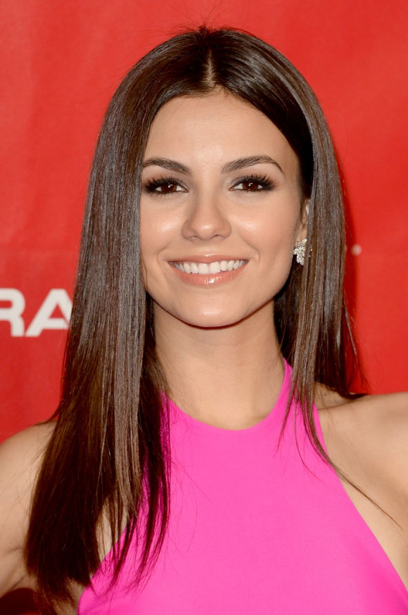 Victoria Justice - MusiCares Person Of The Year 2014 Gala in Los Angeles