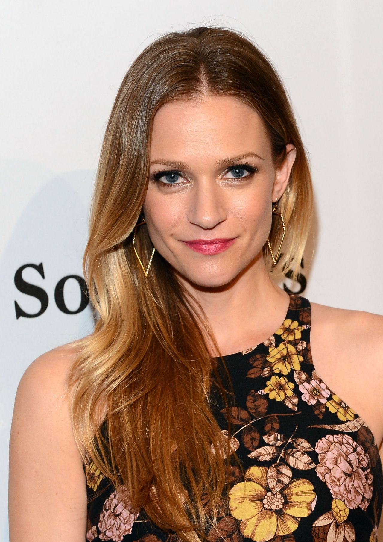 A.J. Cook - The Art Of Elysium