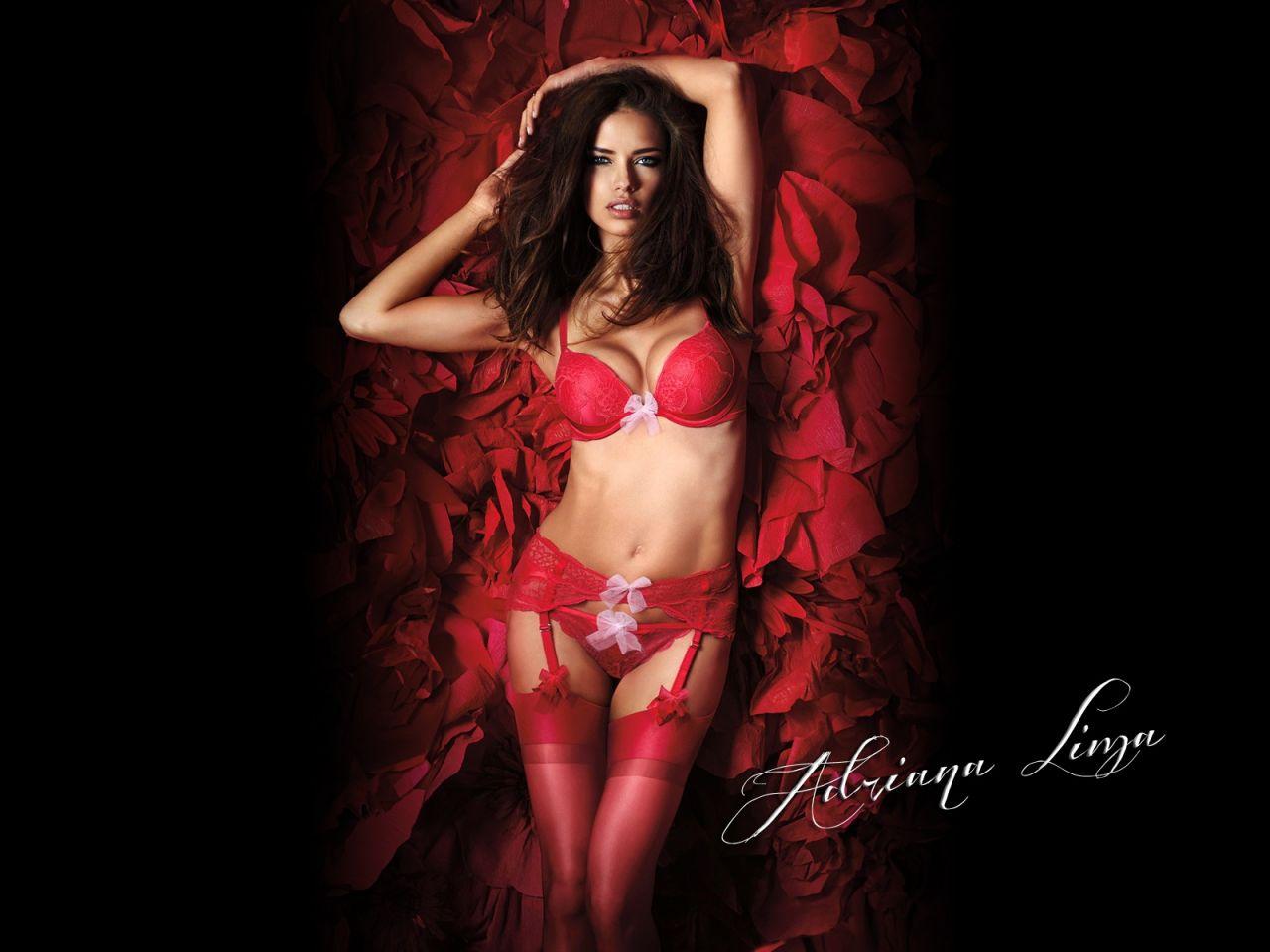 Adriana Lima Hot Wallpapers 2