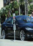 Alyson Hannigan and Her Electric Tesla Model S Sedan - Santa Monica, Feb. 2014