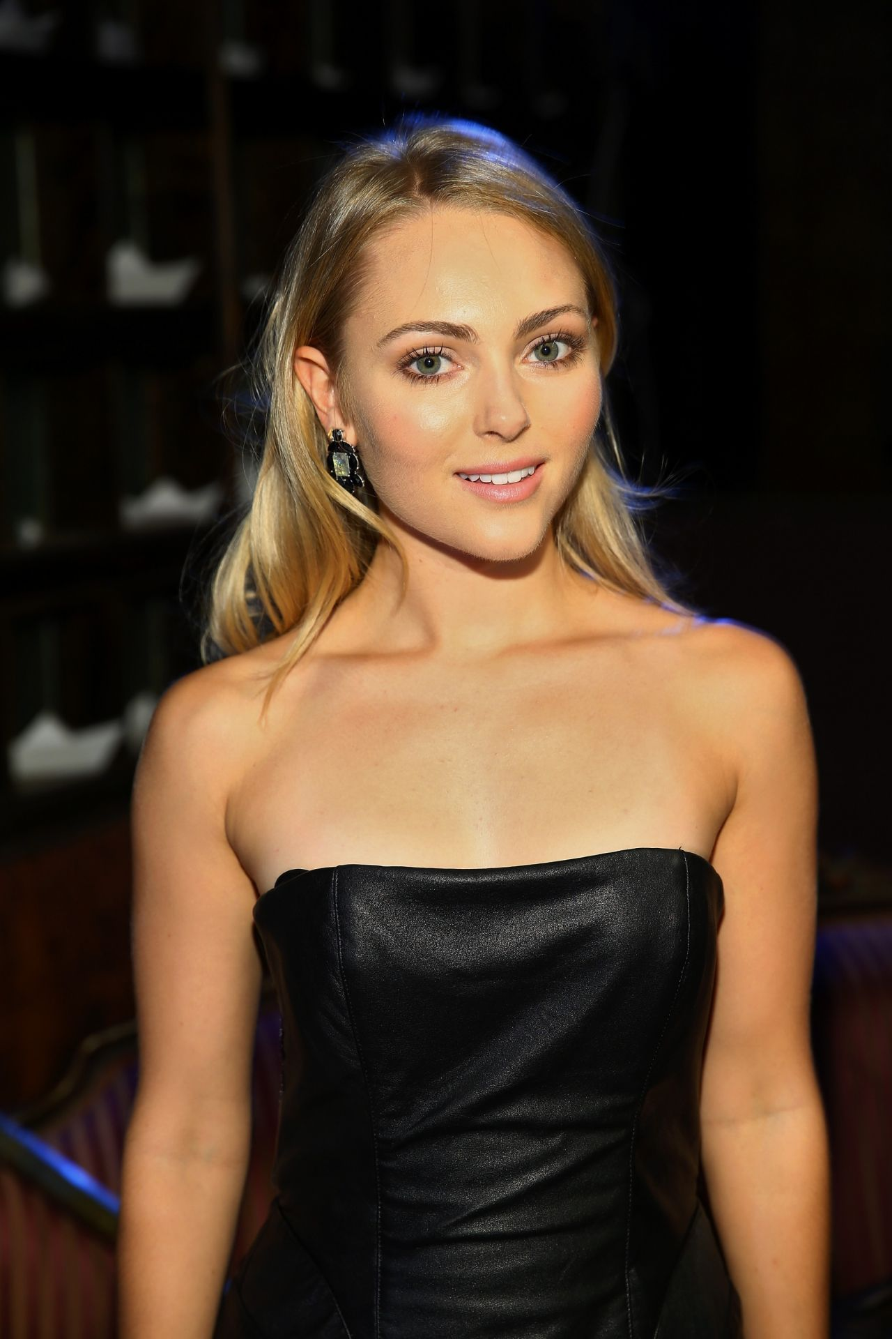 AnnaSophia Robb - Alice + Olivia Fall 2014 Presentation, New York City