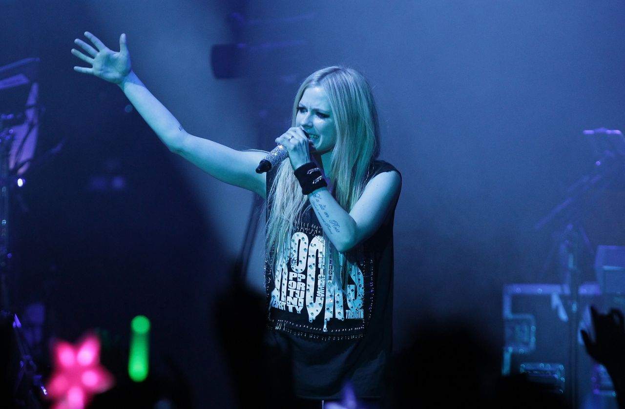 Avril Lavigne Performing At Olympic Hall In Seoul Feb 2014