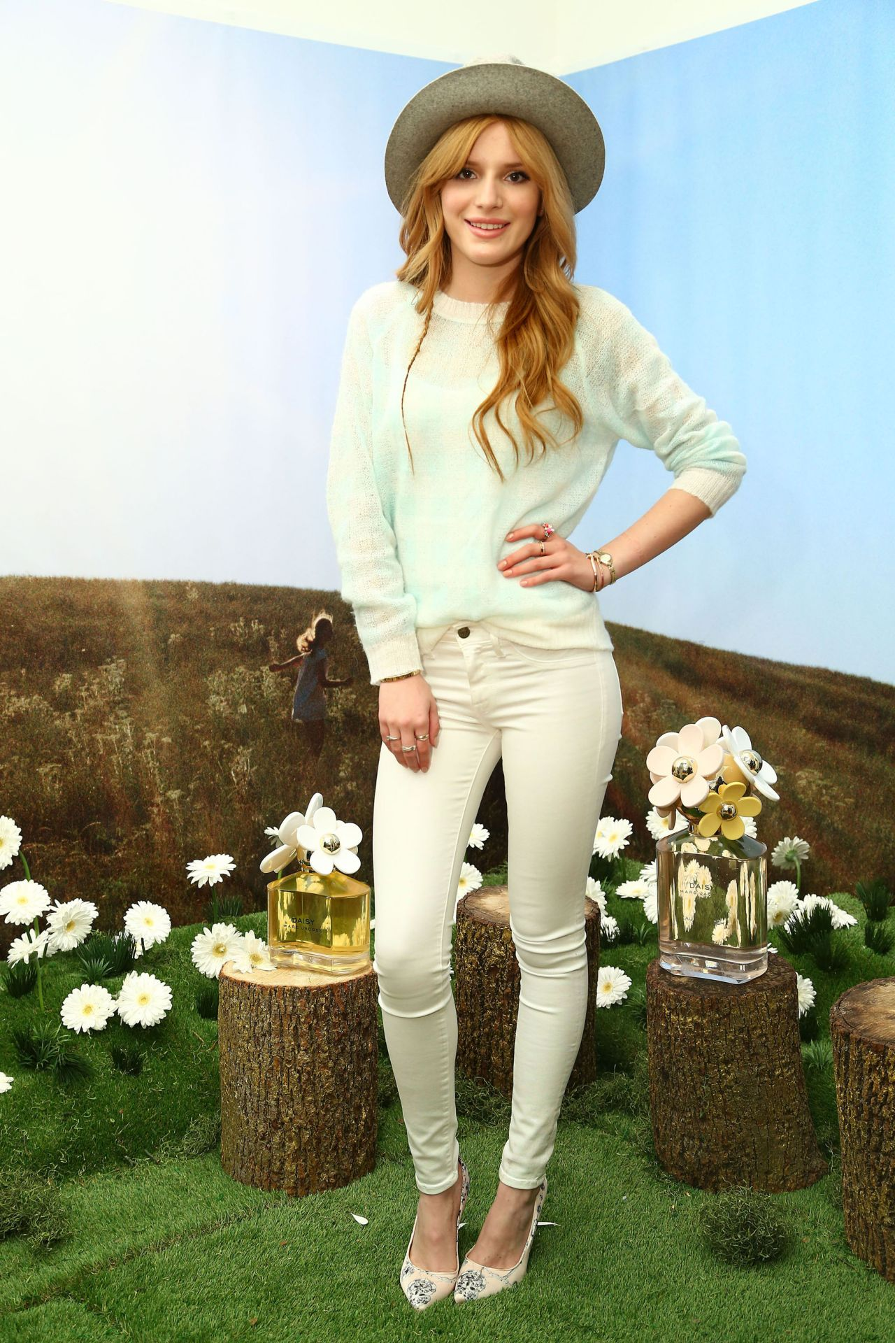 Bella Thorne - Photoshoot for Marc Jacobs Daisy Tweet Shop in New York