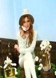 Bella Thorne - Photoshoot for Marc Jacobs Daisy Tweet Shop in New York City