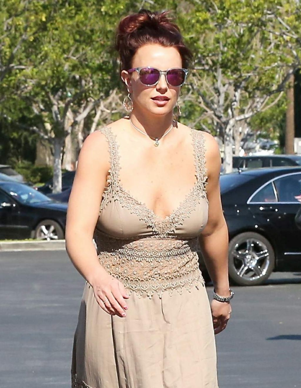 Britney Spears in Casual Long Dresses At Marmalade Cafe in Calabasas, February 2014