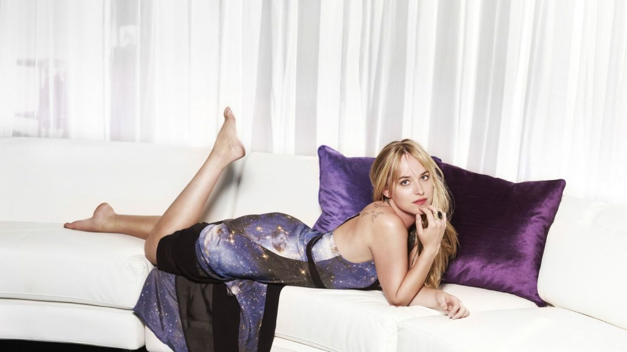 Dakota Johnson Cute Wallpapers (+1)