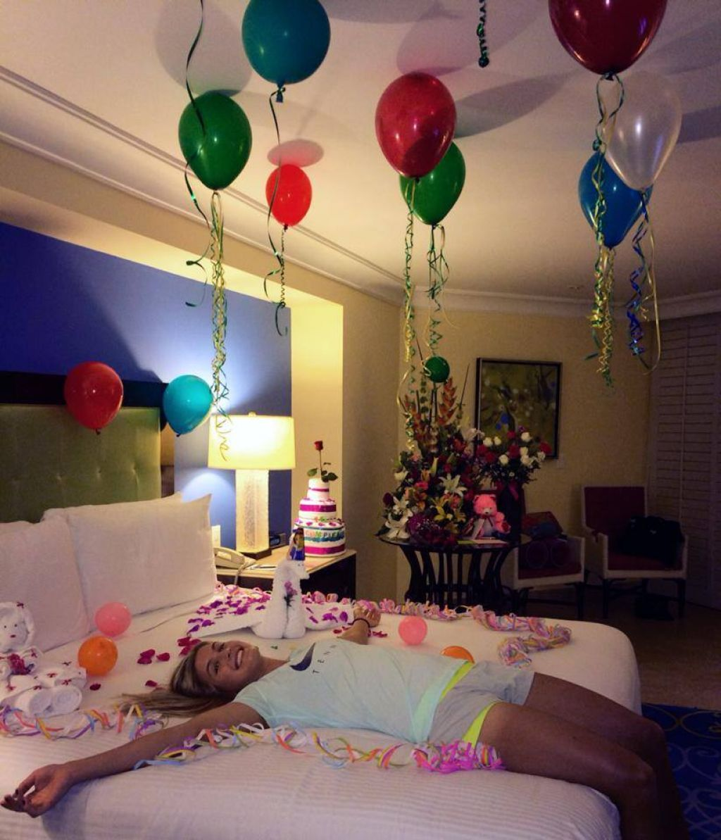 Eugenie Bouchard - Birthday Balloons in Bed