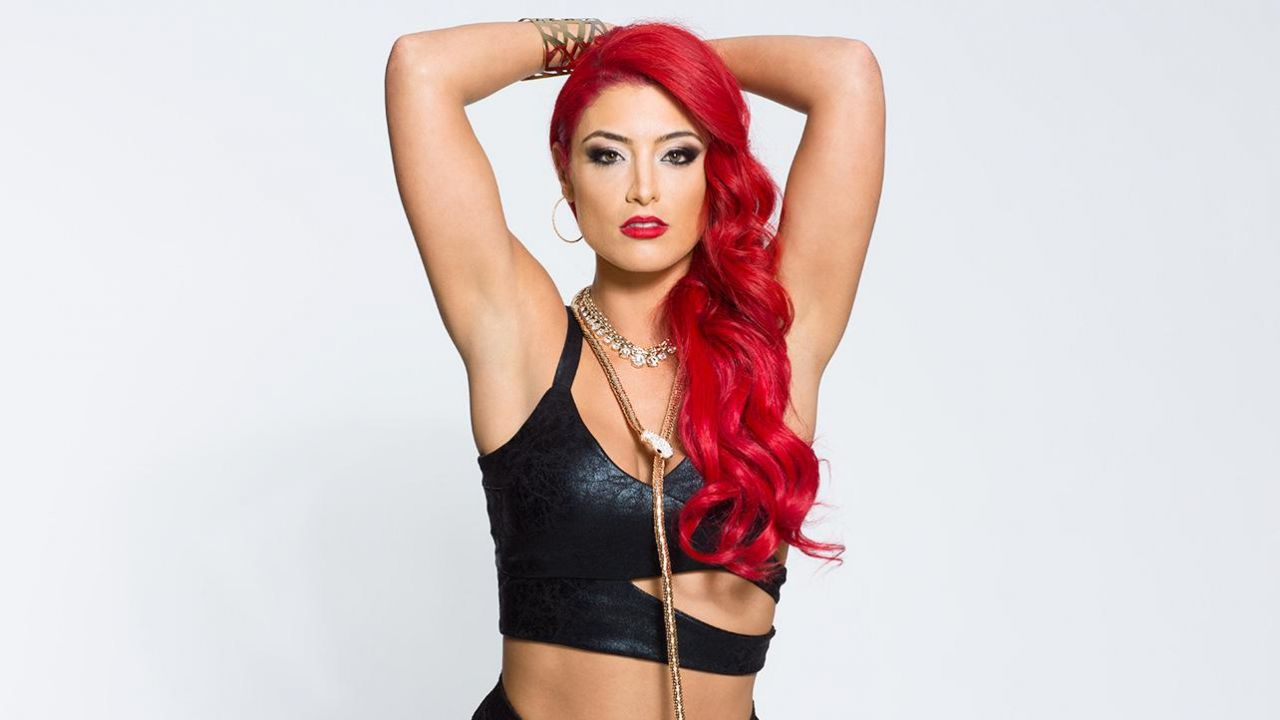 eva-marie-as-jake-the-snake-roberts-wwe-