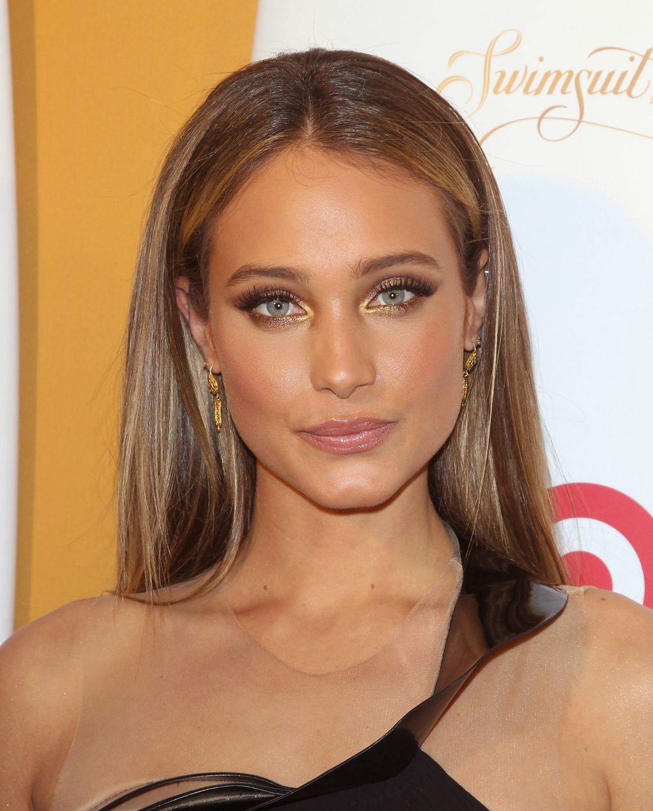 Hannah Davis - Sports Illustrated Celebrates Swimsuit 2014 (+31 Photos)