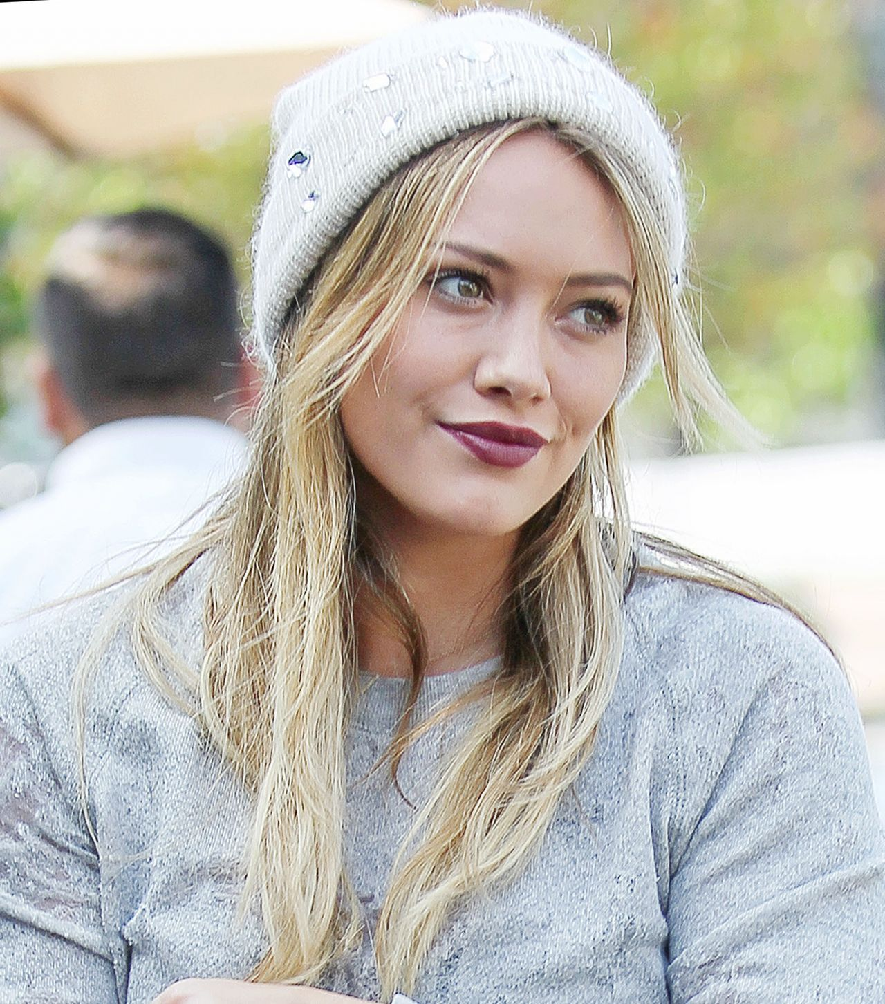 Hilary Duff Leaves an Italian Restaurant