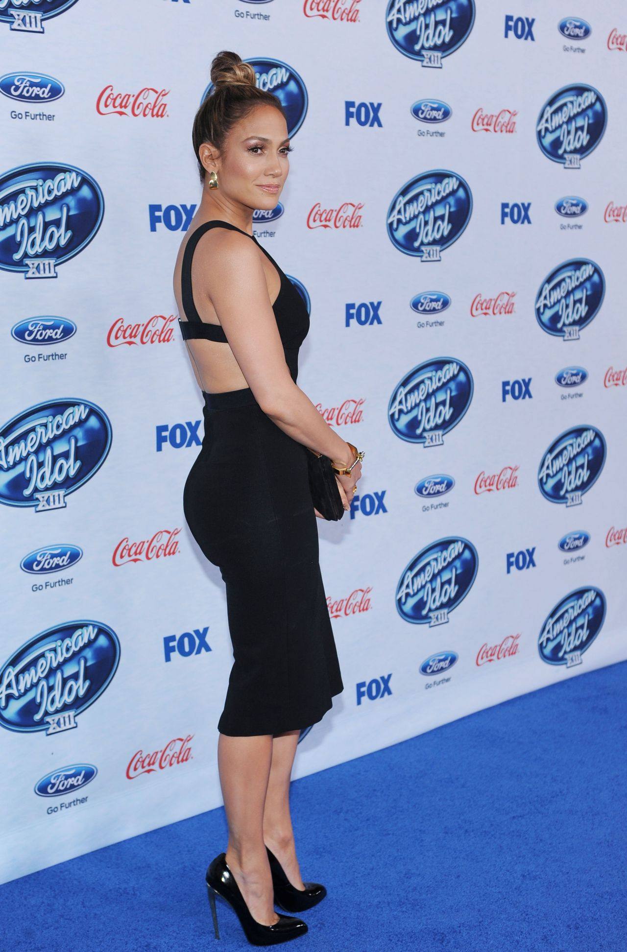 Jennifer Lopez Attends American Idol Finalists Party in West Hollywood - February 2014