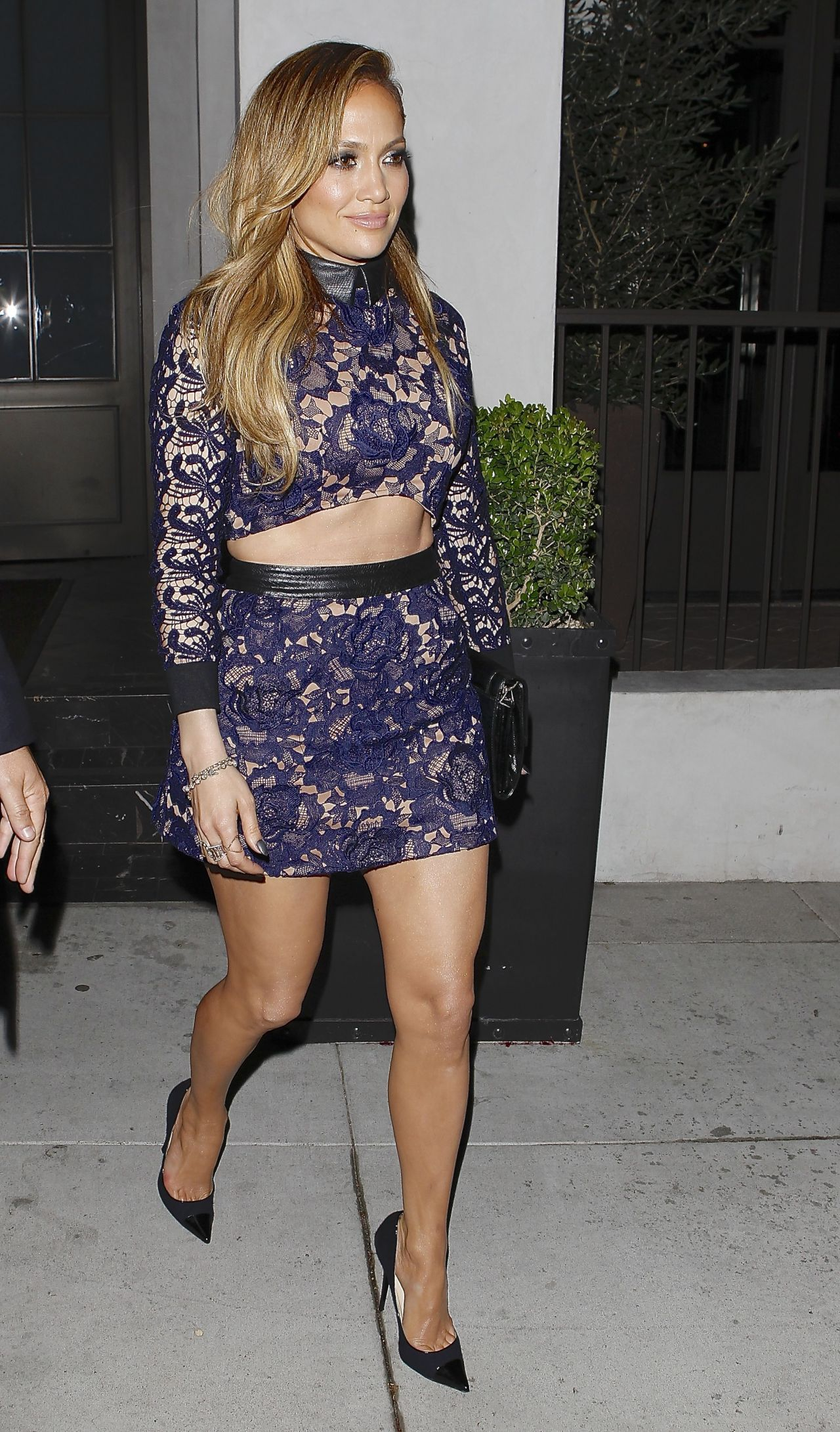 Jennifer Lopez Shows Off Legs - Spago Restaurant in Beverly Hills