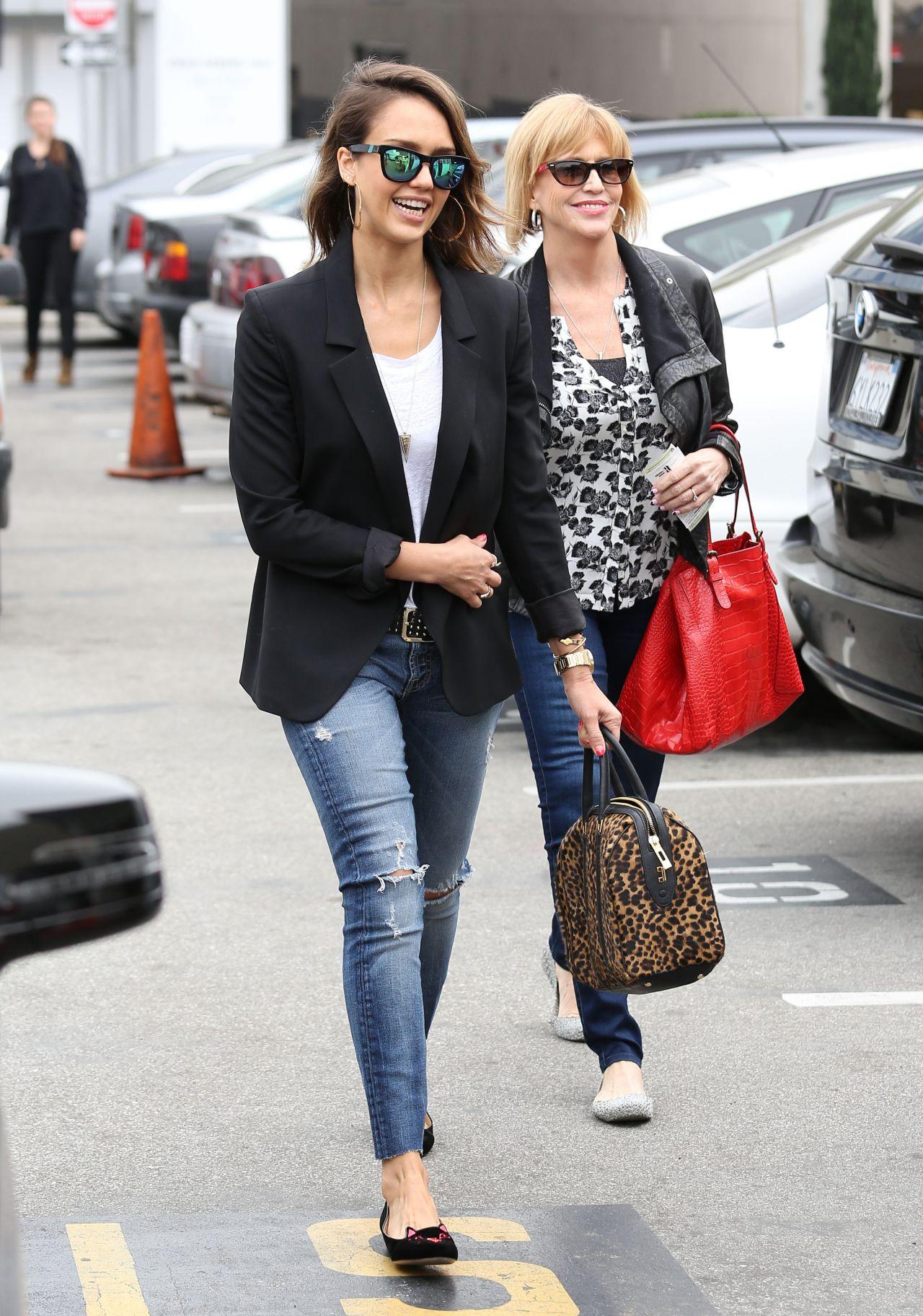 It 39 S Mathilda Beauty Fashion Lifestyle Style Icon Jessica Alba